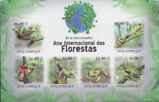REP152 - REPTILES AMPHIBIANS MOZAMBIQUE 2011 FROGS IMPERF SHEET MNH
