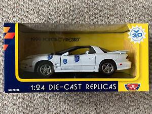 1999 Pontiac Firebird 30th Anniversary White 1:24 Motor Max 73200 New