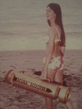 VINTAGE AMERICAN BEAUTY SCUBA SCOOTER ADVERTISING BIKINI CA DREAMING DIVER PHOTO
