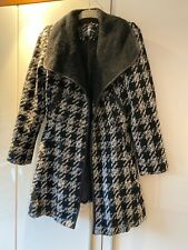 Guess Dogtooth Coat Size XS