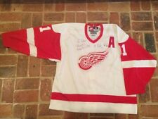 Detroit Red Wings NHL Original Autographed Items