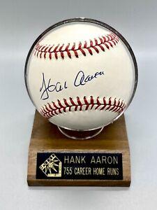 HANK AARON SIGNED NATIONAL LEAGUE BASEBALL Authenticated Score Board HOF
