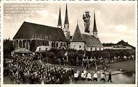 Altötting s/w AK 1960 Blick auf die Gnadenkapelle und Stiftskirche mit Pilgerzug