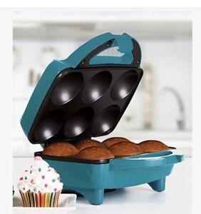 Holstein Housewares Cupcake Maker. Makes 6 Cupcakes In Minutes. Nonstick Coating