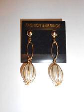 Pendientes de perla colgante blanca metal largo dorado, cierre de tornillo