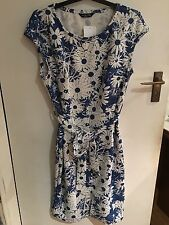 BLUE FLORAL TEA STYLE DRESS...SIZE 16..BRAND NEW WITH TAGS...SUMMER/HOLIDAYS