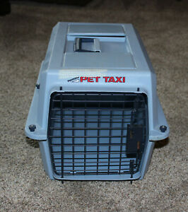 """PETMATE Pet Taxi 18"""" x 12"""" x 11"""" Travel Crate Used – Works Perfectly"""