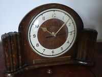 Vintage 1950's Oak Smiths Mantel Clock with Presentation Plaque (Quartz Battery)
