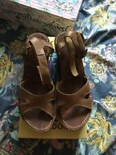 fly london 7 sandals