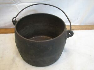 Vintage Marietta Co PA 2 Pts Cast Iron Gypsy Kettle Bean Pot with Bail