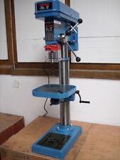 Tischbohrmaschine, Säulenbohrmaschine + Maschinenschraubstock kostenlos