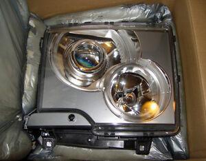 2004-2005 Land Rover Range Rover 4.4 Genuine Right Xenon Headlight OEM Genuine