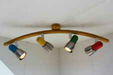 Plafonniers et lustres multicolores en bois pour la salle à manger