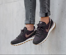 Nike Internationalist Size UK 4 EU 37.5 828407-024