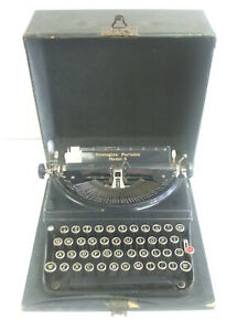 Vintage Remington Portable Model 5 Typewriter with Case - Good Working Condition