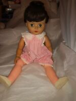 Vintage Uneeda 22 Inch Vinyl Doll Brunette Hair BLUE Flirty Eyes Dimples 1950s