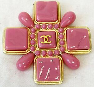 NEW Chanel CC Logo Pink Gold Maltese Cross Brooch Enamel Pin Enhancer Rare 04C