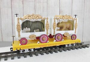 BACHMANN / EMMITT KELLY JR. CIRCUS FLAT CAR with (2) CAGE CARS and (2) ANIMALS