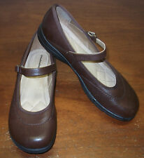 CLOUDWALKERS MARY JANES.....SIZE: 9.5 W.....EXCELLENT CONDITION