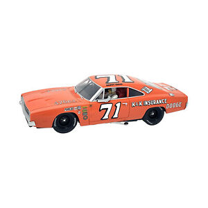 Carrera Evolution Dodge Charger 500 No.71 1:32 Scale Slot Car NEW IN STOCK