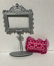 Barbie Pink Dream Bedroom Replacement N4894 2 Accessories Pillow & Silver Stand