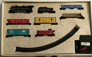 1965 LIONEL HO South Pacific Smoke Locomotive 8-Unit Colorful Freight Set #14280
