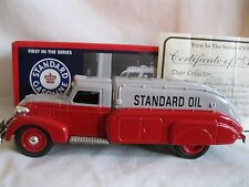 ERTL STANDARD OIL 1930'S DODGE AIRFLOW TANKER BANK 2005  W/COA