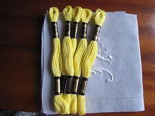 mercerie ancienne 5 échevettes coton à broder  mouliné jaune 445point de croix