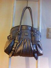 a3897501b2c73 Fiorelli Metallic Schulter Trage Hand Tasche Zu Jacke Pulli Conleys