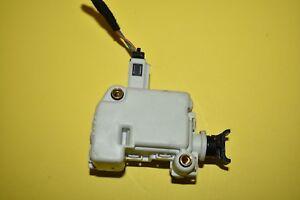 99-05 Volkswagen Jetta Liftgate Tailgate Lock Solenoid Adjust Motor Actuator OEM
