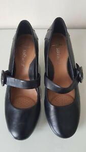 Clarks Softwear Genuine Black Leather Wedge Mary Jane Heels Size 6