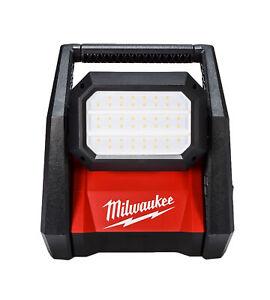 Milwaukee 2366-20 18V Li-Ion Cordless 4000 Lumens ROVER LED AC/DC Flood Light