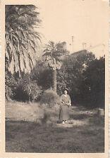 Carte photo ancienne portrait de femme ramassant  le foin à  Belmont 1941