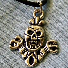 SCARY   ~   SKULL  ~   NECKLACE --- (GREAT_CHRISTMAS_GIFT)