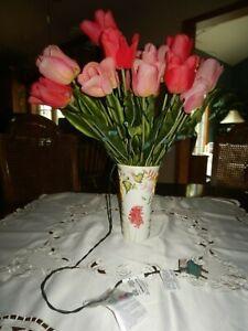 LOT of Floral VASE & 22 Pink & Red Artificial LED Lighted Long-Stemmed TULIPS