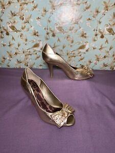 Size 8.5 | Women's Stiletto Heels GIANNI BINI Gold Metallic Peep Toe Bow