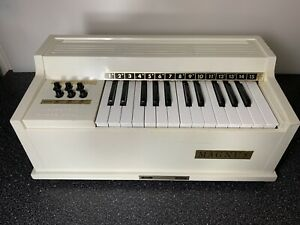 Magnus Electric Chord Organ Fully Working and Tested