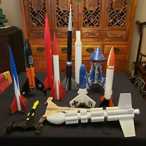 LOT 12 ROCKET BODIES / ACCESSORIES USED!