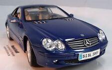Mercedes-Benz SL-Class Hardtop Maßstab 1:18 von Maisto auf Standplatte in OVP