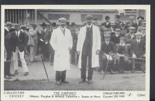 Sports Postcard - Cricket - The Umpires, Yorkshire v Sussex at Hove   BR90