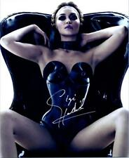 Gigi Hadid signed 8x10 Picture Photo autographed with COA