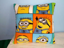 NEW DESPICABLE ME MINIONS FLEECE PILLOW CUTE STUART UNIVERSAL STUDIOS KEVIN BOB