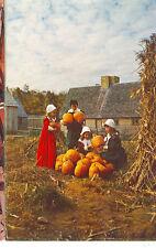 PLYMOUTH,MASSACHUSETTS-PLIMOTH PLANTATION-CHILDREN IN COSTUME(MASS-P)
