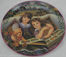 Kindred Moments Plate Sisters Stay Close At Heart Bradford Chantal Poulin 1995