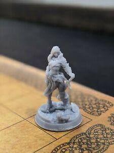 Female Barbarian Miniature - 28mm - DnD D&D Pathfinder Warhammer AoS