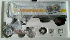 FIRST GEAR 1/34 1960 Model B-61 Mack Tractor & Trailer Hostess Cup Cakes