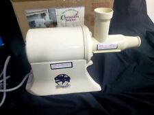 The Champion Juicer Heavy Duty Juicer Model G5-Ng-853S Viintage! Nos!