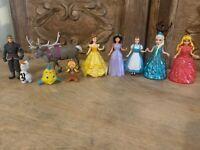 LOT OF 5 Disney Princess Magic Clip Glitter Glider Dolls Dresses & Accessories