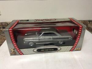 Road Signature Deluxe Edition 1:18 Die-cast Black 1964 Ford Falcon