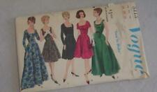 Vintage Womens Sewing Pattern Dress 60's Vogue 5413